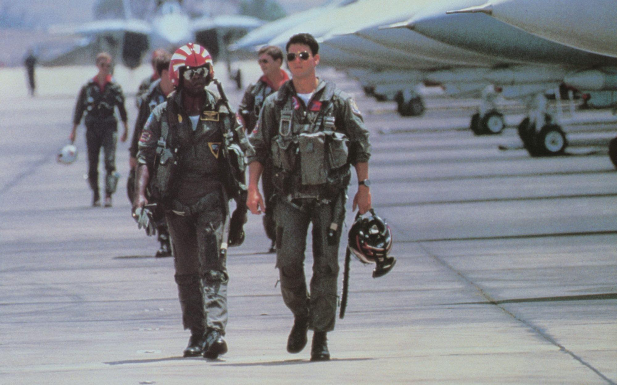 Tom Cruise a Top Gun. Film, ktorý silno podporil predaj modelu Aviator.