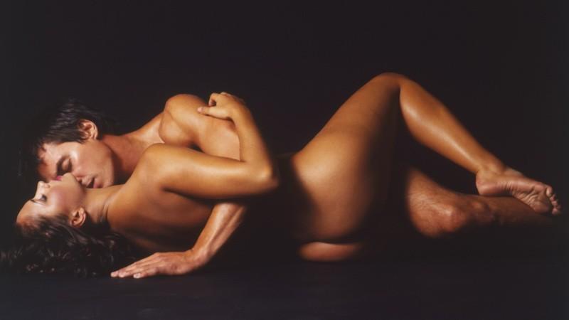 Dvaja milenci, tmavšia pleť, poprepletaní, sex