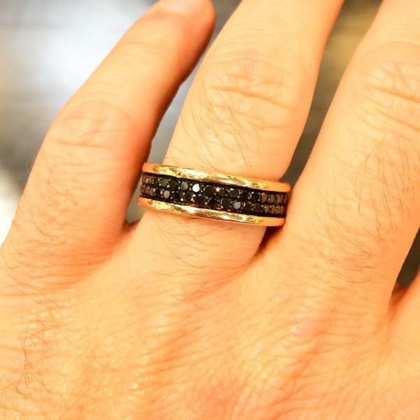 Michael Turchin zverejnil svoj druhý zásnubný prsteň
